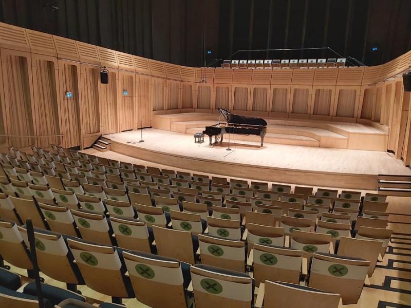 Pianos Ashfield